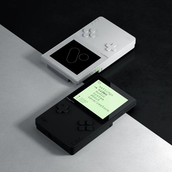 全新怀旧掌机明年发售 支持多款经典老机型游戏